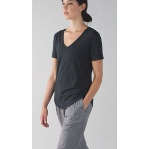 Lululemon dark gray love tee shirt v neck 6